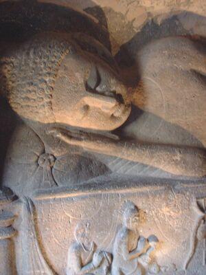 アジャンタ石窟・涅槃像