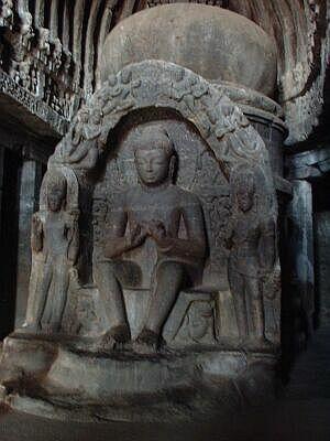 エローラ石窟・ストゥーパと仏像
